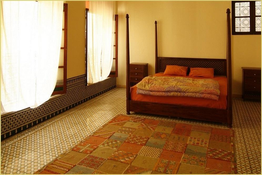 galerie de tapis d 39 orient en situation entr e salon. Black Bedroom Furniture Sets. Home Design Ideas