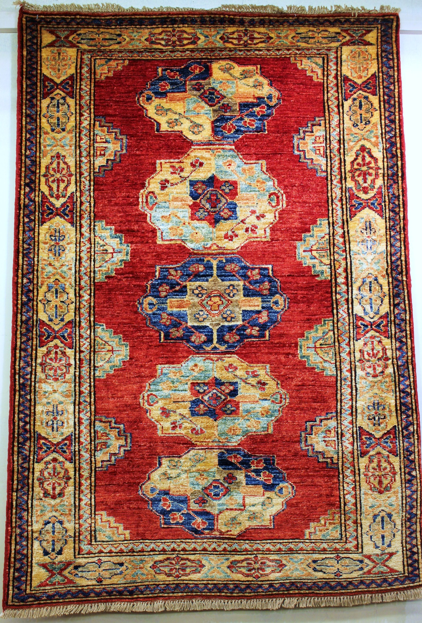 tapis kazak 151 x 93 cm gobelins tapis. Black Bedroom Furniture Sets. Home Design Ideas